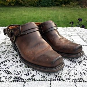 Frye Belted Harness Mules Slip Ons Chestnut Wms 10